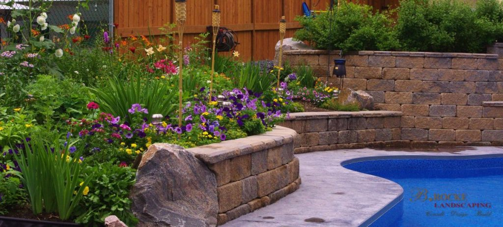 Retaining Wall Planter 2 | B. Rocke Landscaping | Winnipeg, Manitoba